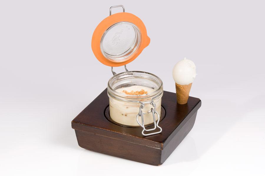 Tiramisú de manzana (con helado de queso)
