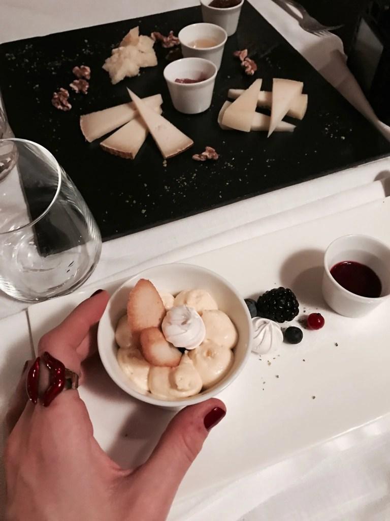 selezione di formaggi della maremma e scomposta di tiramisù Argentario Golf Resort & Spa
