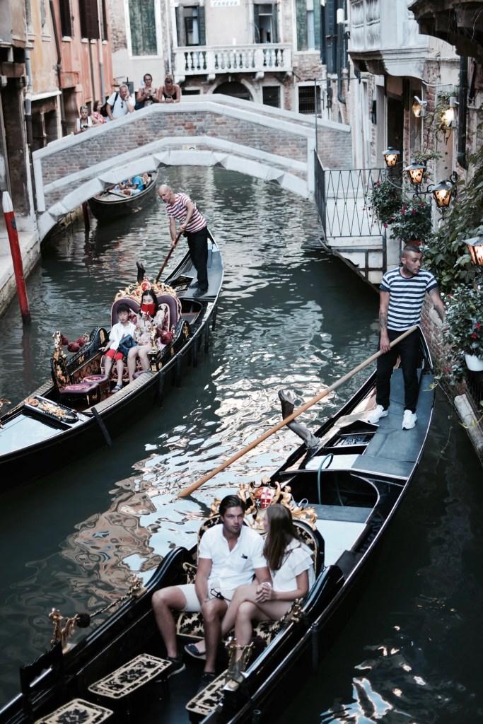 Scorci di Gondole a Venezia