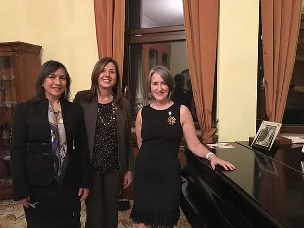 Carmen Guerriero, Lorella Di Porzio e Mary Ellen Countryman