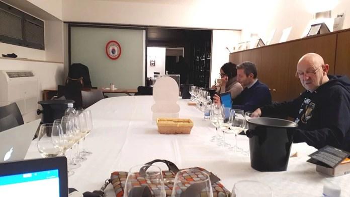 Alcuni IGP durante la degustazione dei Frascati presso il Consorzio