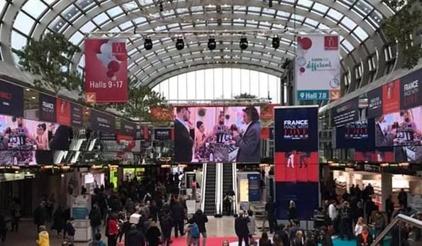 Novità e scatti da Prowein 2019. Il Ministro Centinaio in visita alle aziende della Campania