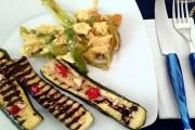 Zucchine grigliate con uova strapazzate ai friggitelli e Trevenezie Sauvignon
