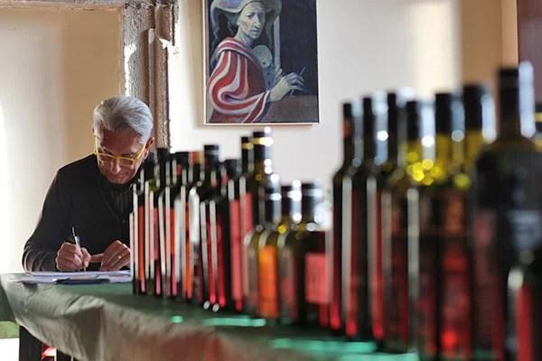 degustatore di olio a Corchiano