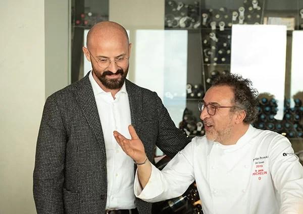 Eduard Bernhart e lo chef Lino Scarallo (foto Fruitcom)