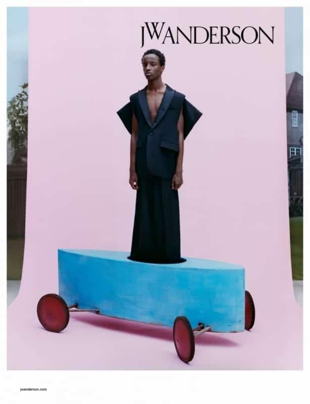 JW Anderson presenta la nuova Campagna pubblicitaria ADV collezione uomo e donna per la primavera-estate 2020