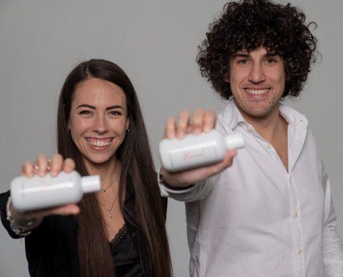 Shampora prodotti per capelli personalizzati per ogni cliente. I fondatori