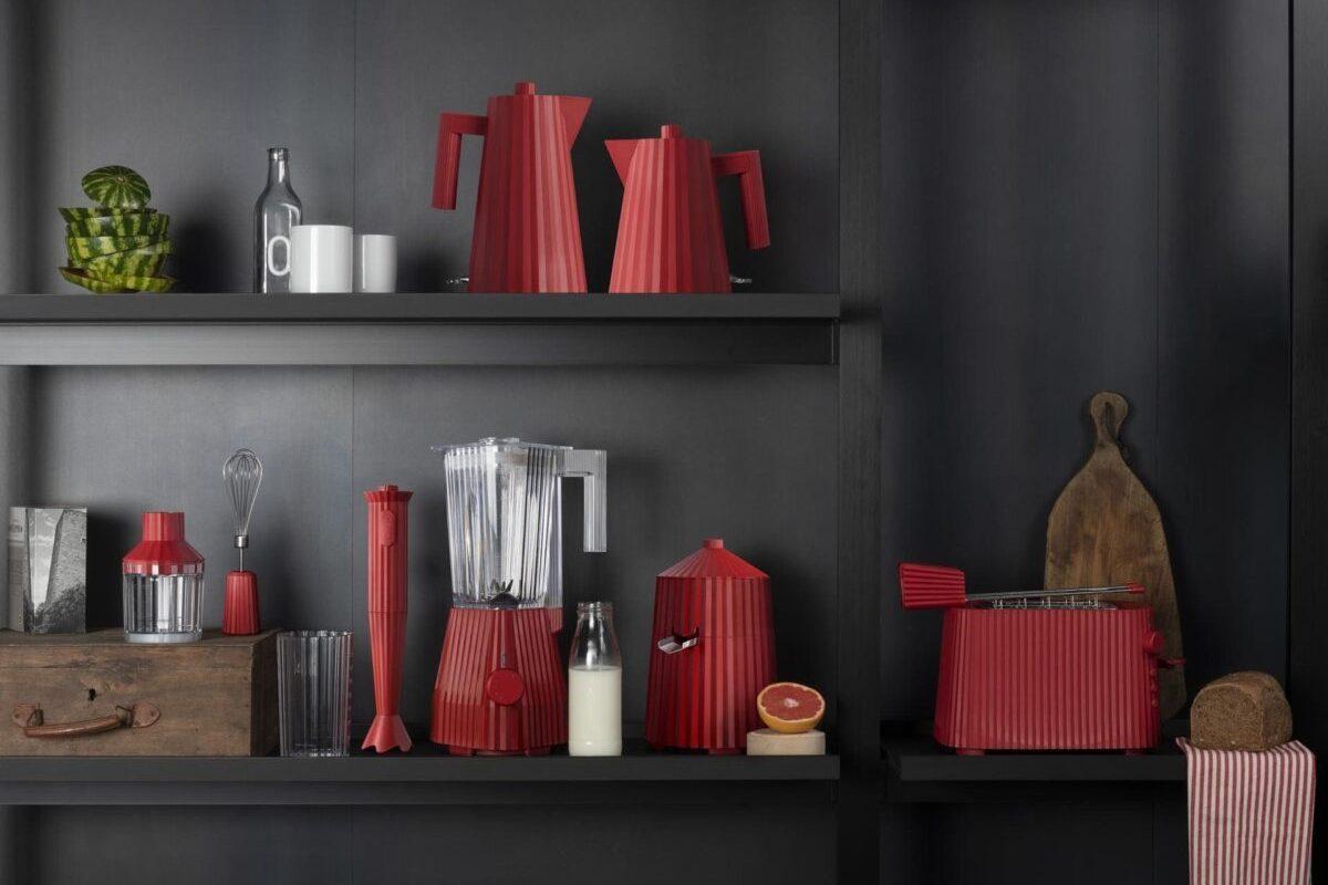ALESSI_ PLISSE'_design MICHELE DE LUCCHI_ RED_ ph credits Alessi Archive_1