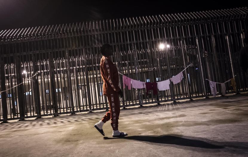 Immigrazione: Cie Roma, dopo bocche cucite sciopero fame