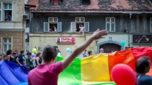 Le strade di Lubiana dopo la decisione del Parlamento sul matrimonio omosessuale