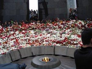 Tsitsernakaberd, luogo dove si commemorano gli armeni morti durante il genocidio