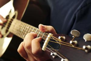 come-posizionare-le-dita-sulla-chitarra_2fa7d26cb648356b3b5ced7f1970a06c