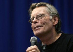 Stephen King (68), autore del romanzo originale, figura anche come produttore esecutivo di '22.11.63'