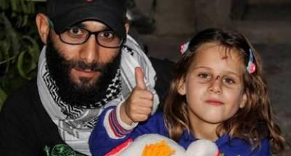 aya-talbiseh-facebook-syria-charity_claima20161012_0051_17