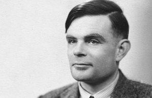 Alan Turing (1912-1954) è stato un matematico, logico e crittografobritannico, considerato uno dei padri dell'informatica e uno dei più grandi matematici del XX secolo.