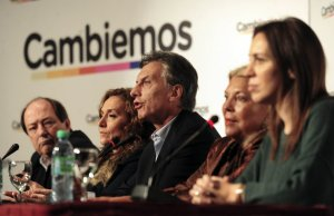 Mauricio Macri (1959) è un ingegnere, politico e imprenditore argentino, leader della coalizione Cambiemos e Presidente dell'Argentina dal 10 Dicembre 2015.