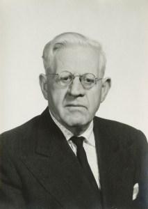 Karl Loewenstein (1891-1973) è stato un filosofo e politologo tedesco