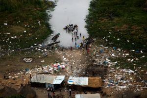 Rifugio di alcuni sfollati a Ganyel
