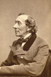 Hans Christian Andersen (1805-1875) è stato uno scrittore e poeta danese, celebre soprattutto per le sue fiabe.