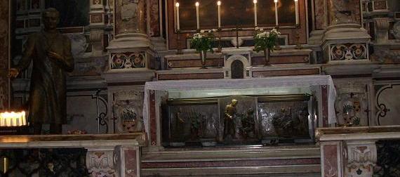 Appello da Napoli: salviamo la casa del medico santo