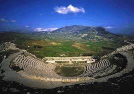 Le Notti di Segesta, la Sicilia e la sua storia
