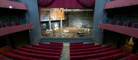 Il Teatro Eliseo riapre grazie all'iniziativa privata. Scongiurato il rischio della riconversione.