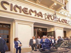 Gentiloni in visita al cinema Fulgor