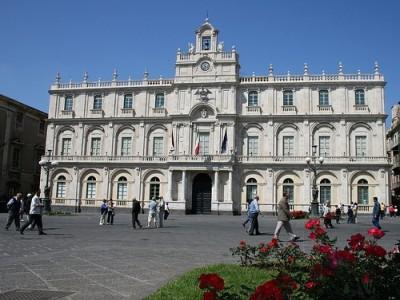 Piazza_università-Catania