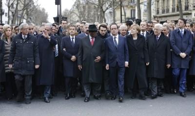 Parigi i potenti in marcia - N01