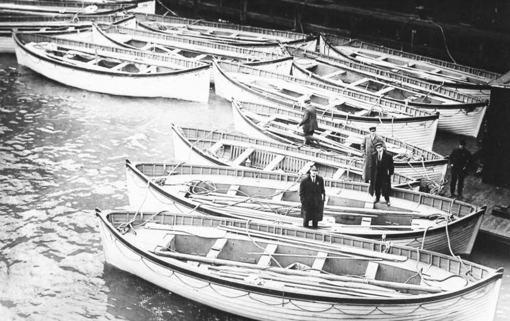 New York: le scialuppe di salvataggio del TITANIC recuperate dalla Carpathia