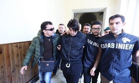 Antonio Del Re 18 anni arrestato per aver favorito la latitanza del fratello