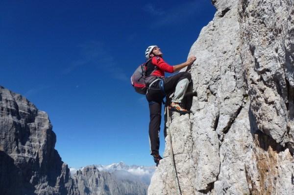 A Falesia S Giacomo per arrampicare con la Sat Val Cadino