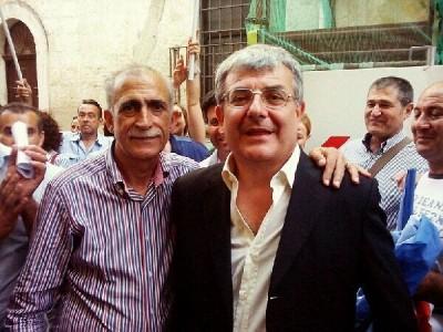 a destra il neo sindaco Roberto Massafra (foto lavocedimanduria.it)