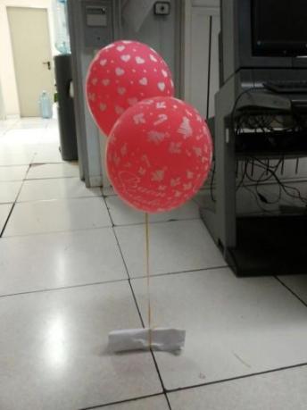 I palloncini con la lettera nella redazione di Senzacolonne news