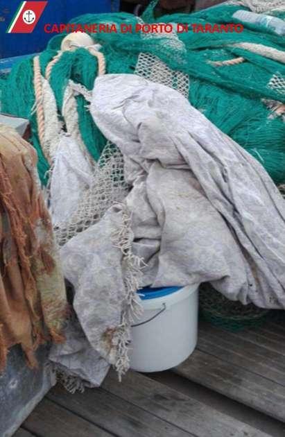 Ingente sequestro di materiale esplodente da parte della Guardia Costiera