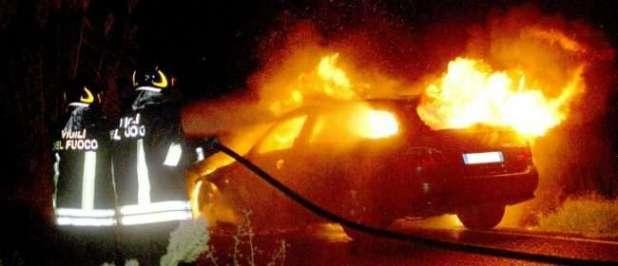 San Marzano di S.G.: identificato il piromane che aveva incendiato tre autovetture nel gennaio scorso