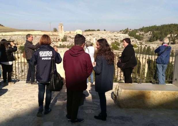 Confguide - Appello ai sindaci: quando i controlli per contrastare il fenomeno delle guide turistiche abusive?