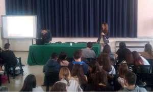 Manduria, Liceo De Sanctis Galilei: a scuola con la Guardia di Finanza