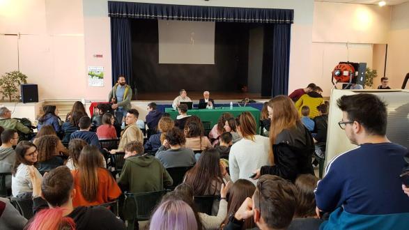 Imprenditoria a scuola l'incontro con Arturo Prisco al Liceo De Sanctis Galilei