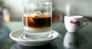 Come preparare il caffè leccese con latte di mandorla