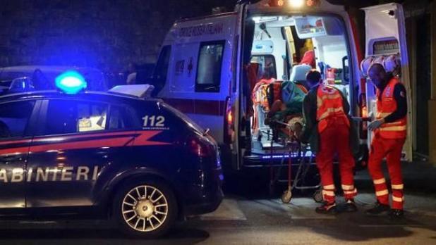 Auto fuori controllo sulla provinciale Maruggio Torricella finisce ribaltata in uliveto. Un ferito