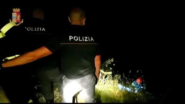 Ragazzo di 15 anni cade in una gravina a Grottaglie, soccorso dalla Polizia di Stato