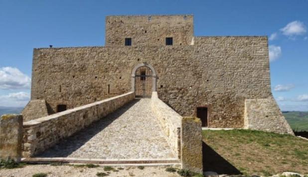 Il Castello di Monteserico a Genzano di Lucania