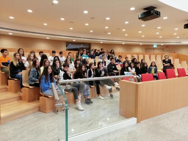 Il Liceo De Sanctis Galilei in visita al Consiglio della Regione Puglia. Educazione alla cittadinanza attiva: crescere i cittadini di domani