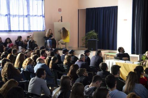 LEONARDO DA VINCI: UN ESEMPIO PER I GIOVANI . Convegno-mostra al Liceo De Sanctis Galilei di Manduria