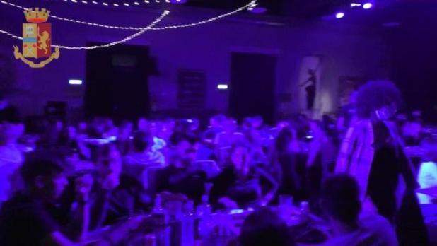 Covid: festa con 400 persone, chiuso locale a Nardò