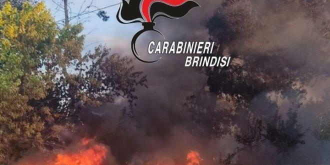 Oria. Incendia rifiuti pericolosi speciali nel suo terreno, denunciata.
