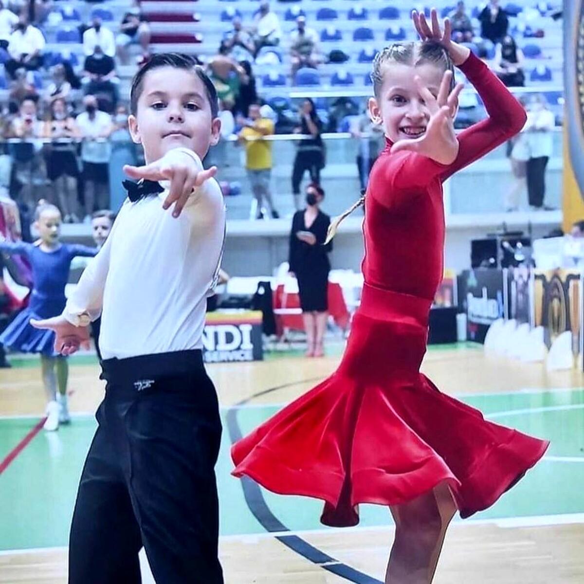 Campionati italiani di danza sportiva: due bimbi trevigiani vincono la medaglia d'oro