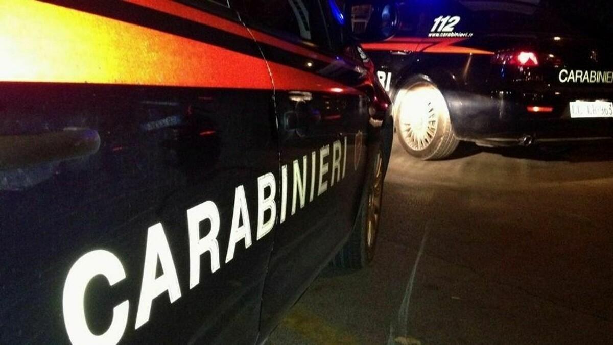 Evade dagli arresti domiciliari e si ubriaca: arrestato un 26enne