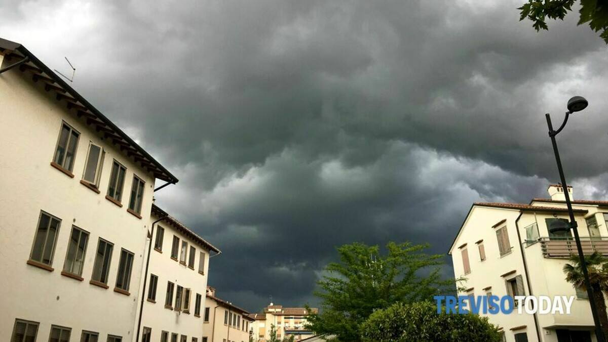 Maltempo e temporali in arrivo: scatta l'allerta meteo per il Veneto